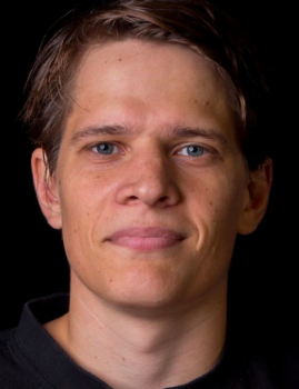 Greger Svenn forteller om overgangen til svensk bandy